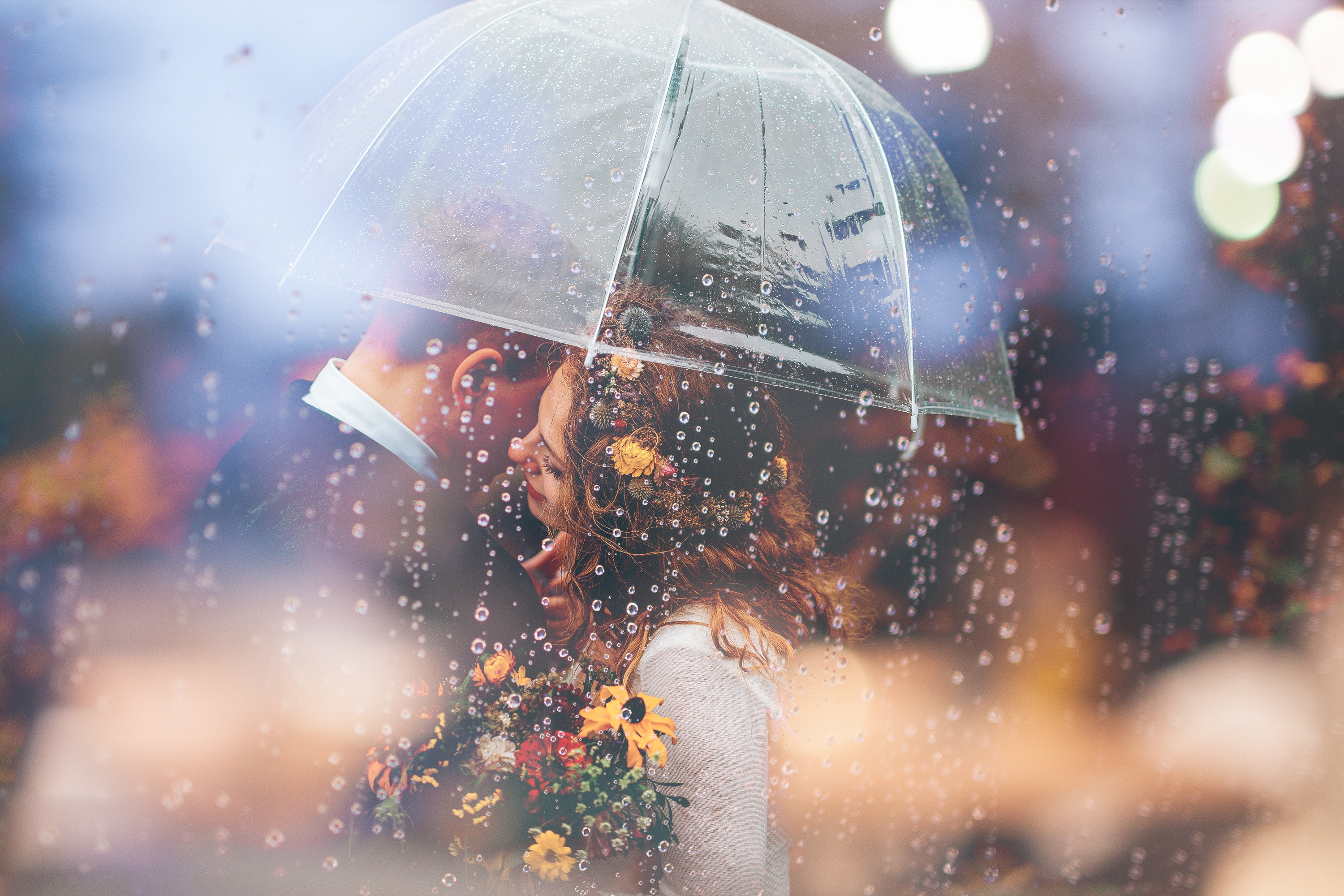 Married Couple Romantic Umbrella Raining Weeding, HD Love