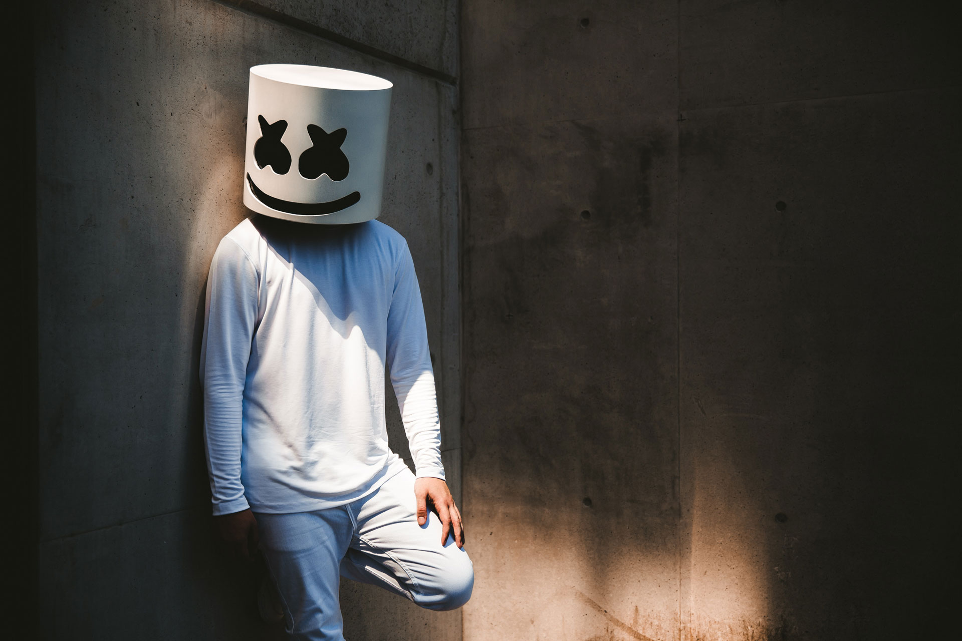 Marshmello Alone 2048x1152 Resolution