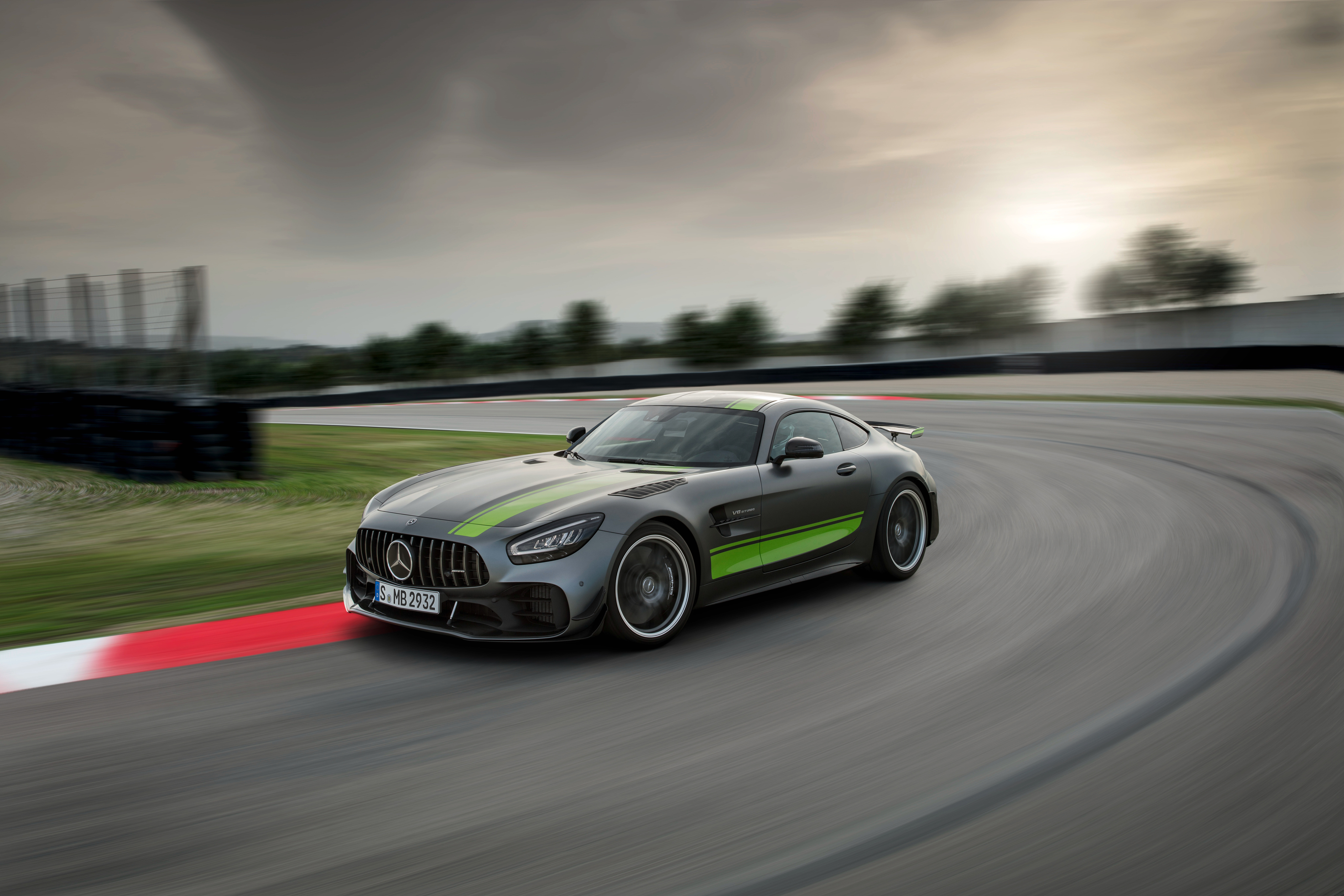 1125x2436 Mercedes Amg Gt R Pro 2019 4k Iphone Xs Iphone 10
