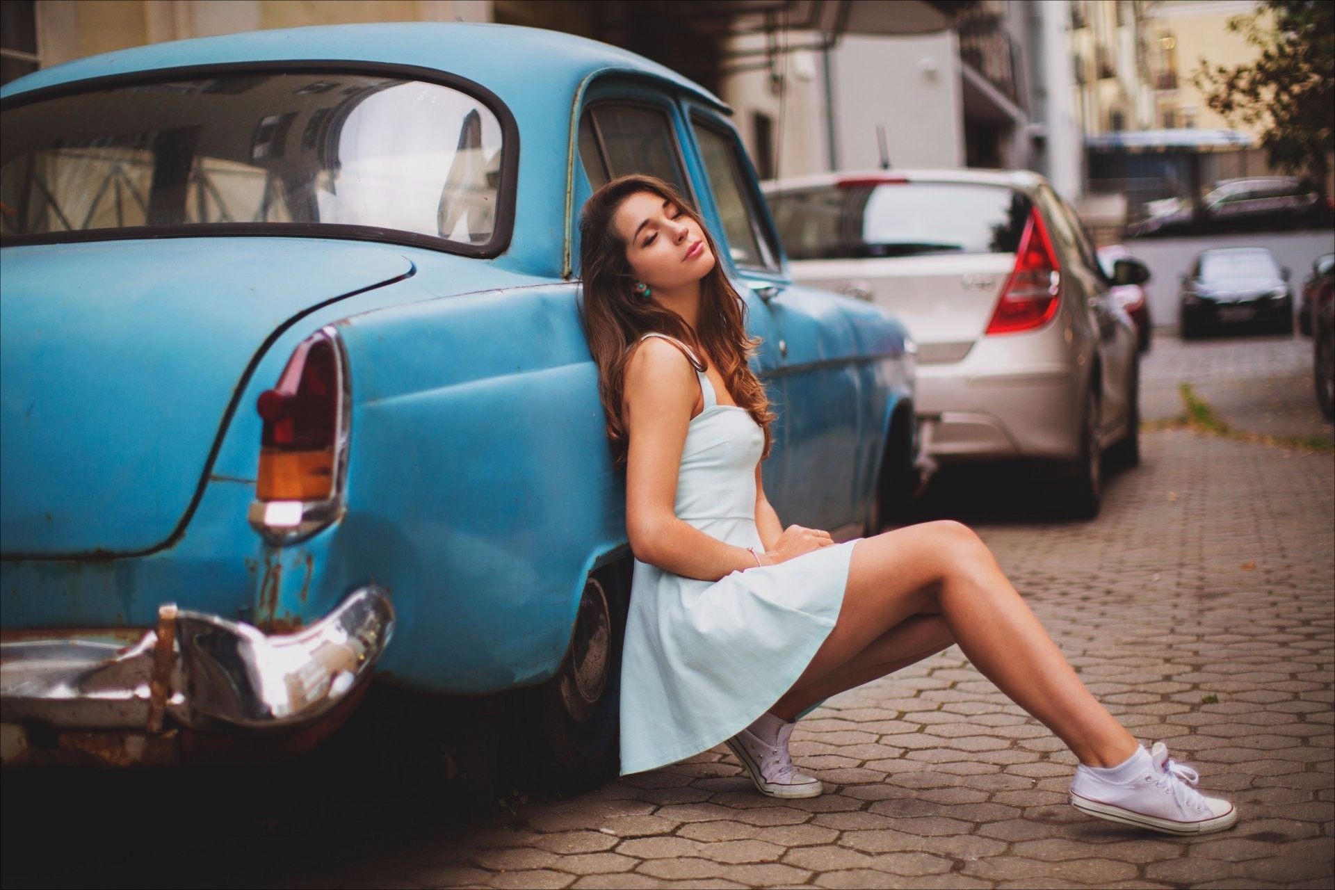 model with classic car 2 | girls hd 4k wallpapers