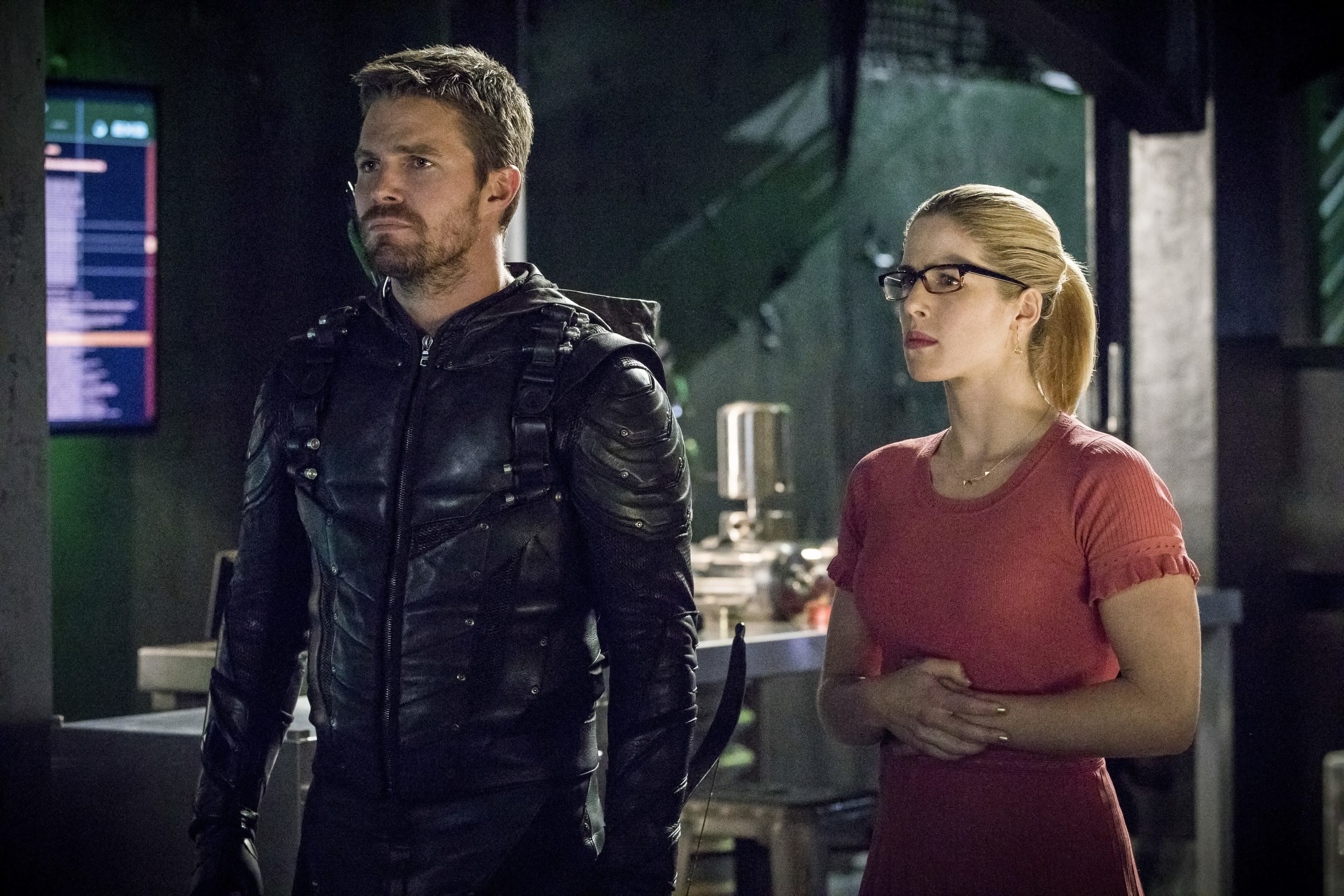 oliver queen and felicity smoak in season 6 hd tv shows
