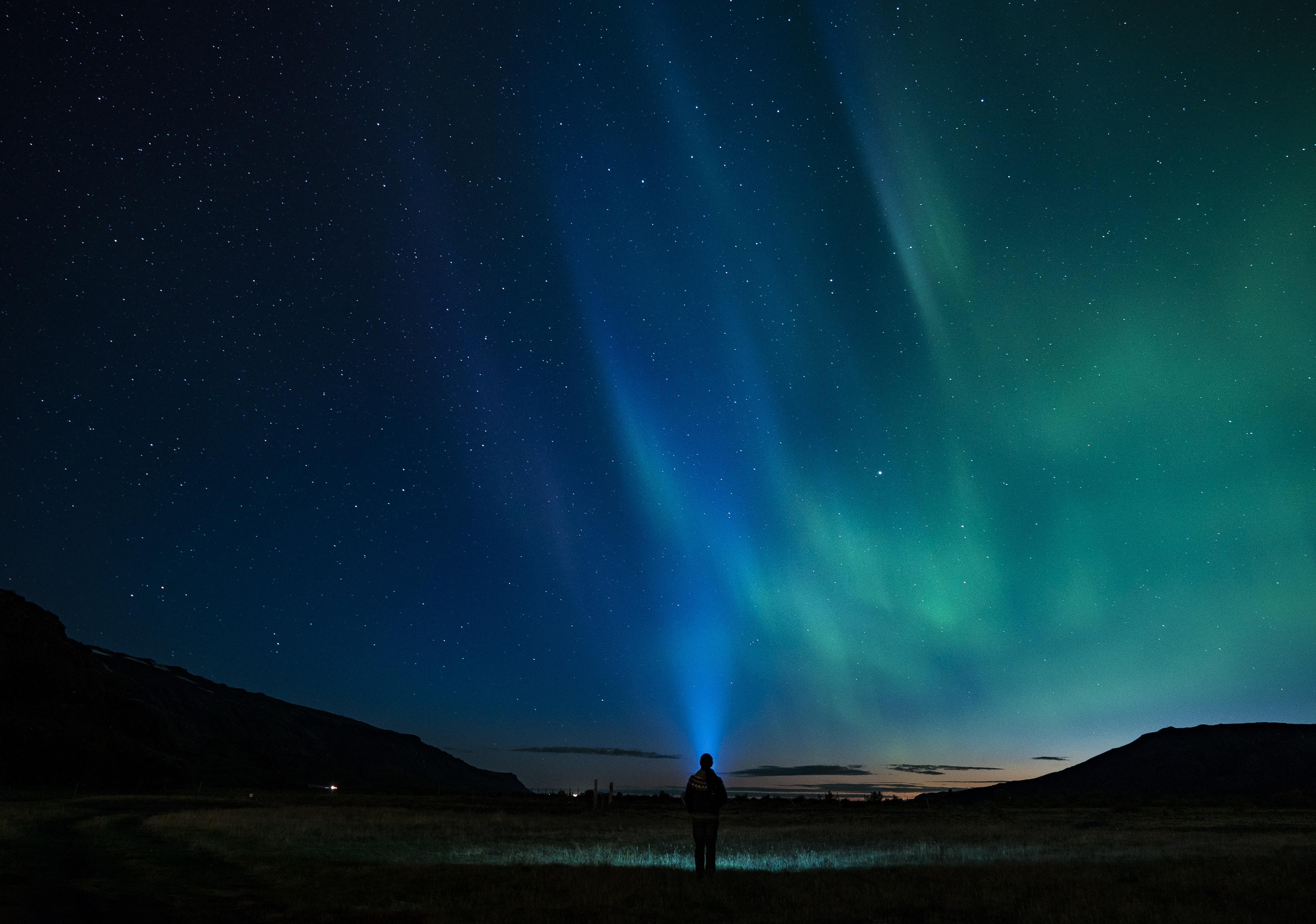Person Standing Northern Light Aurora 4k Hd Nature 4k