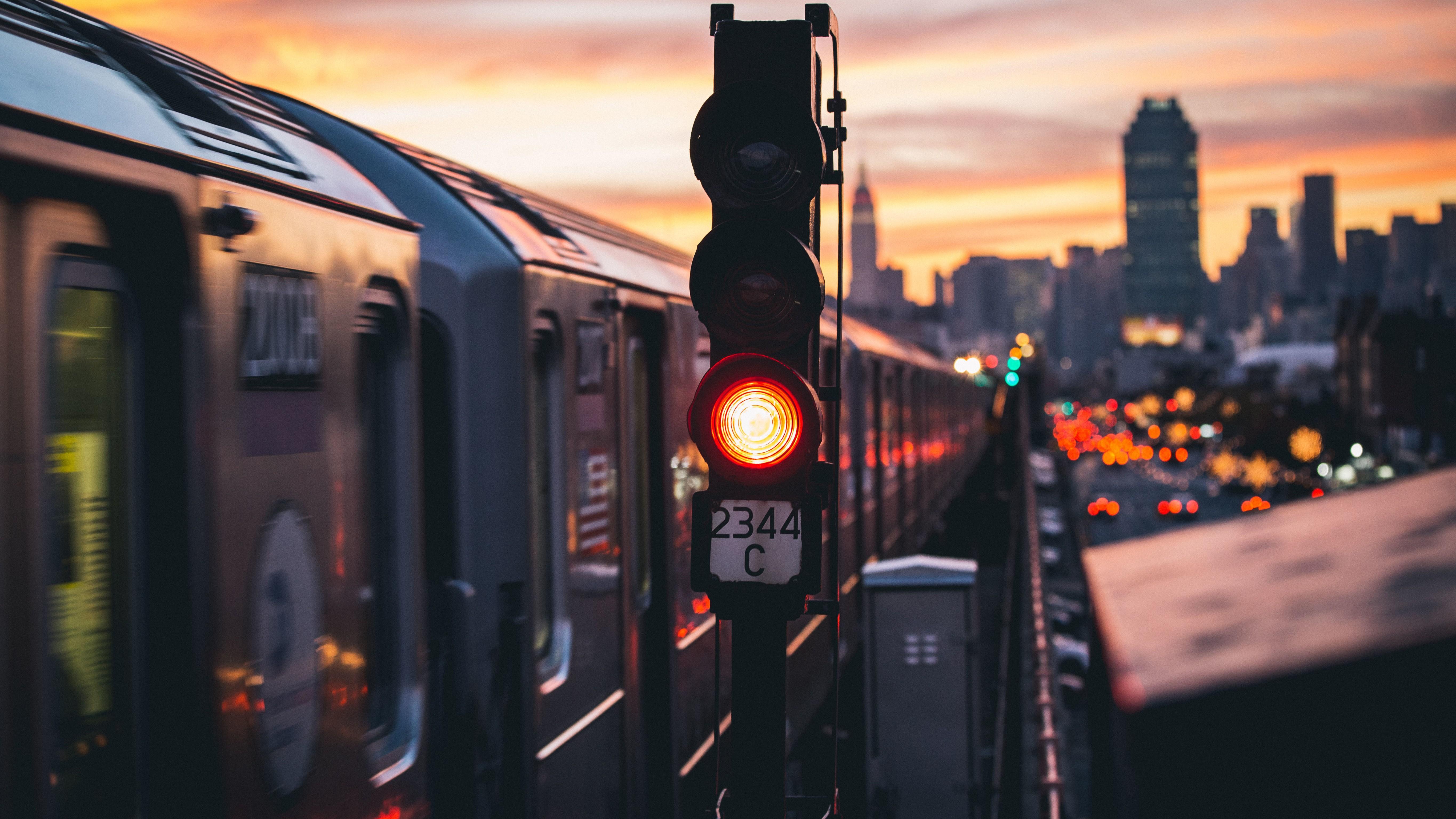 5120x2880 photography city train new york city urban 5k hd