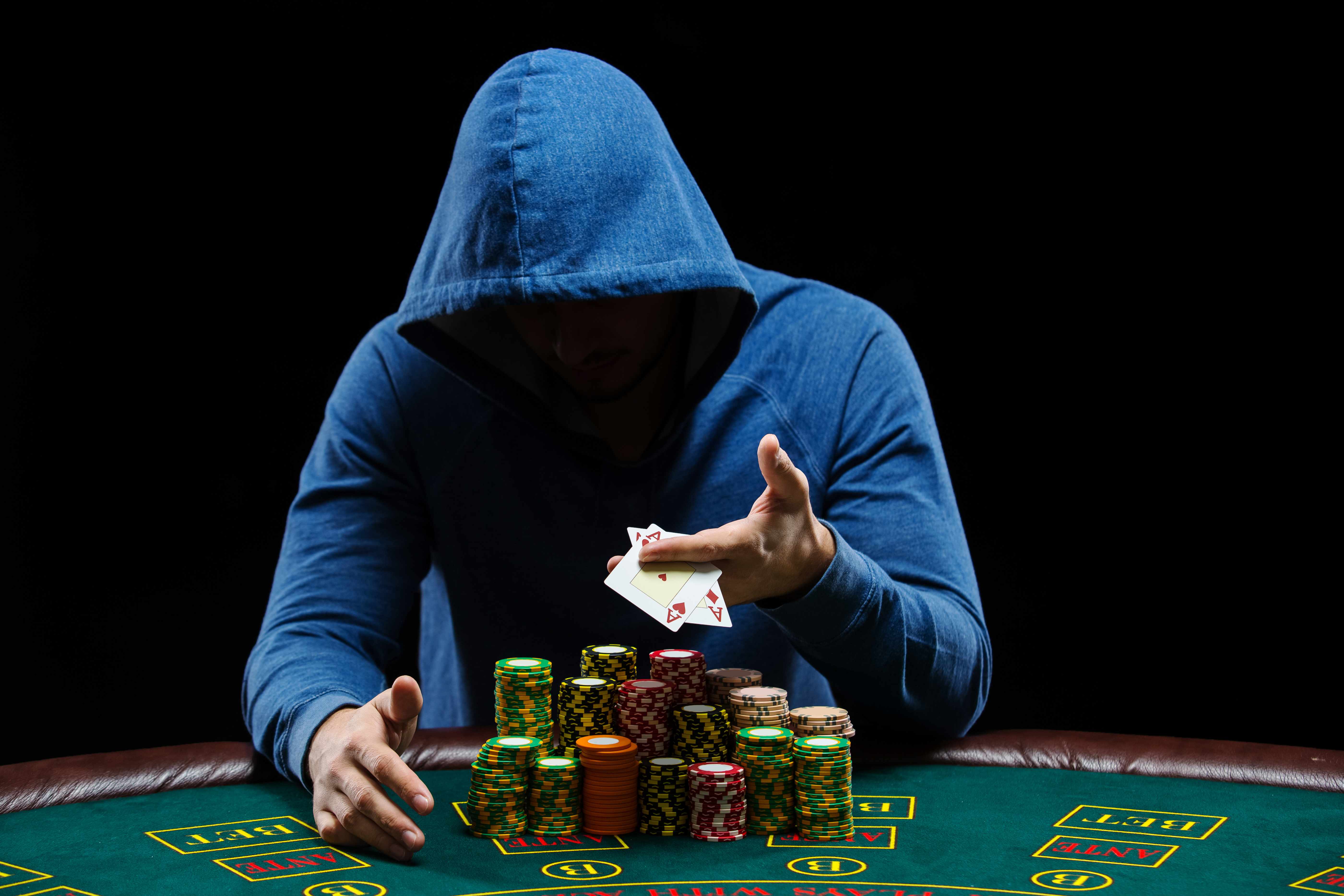 Poker Player 5k Hd Games 4k Wallpapers Images