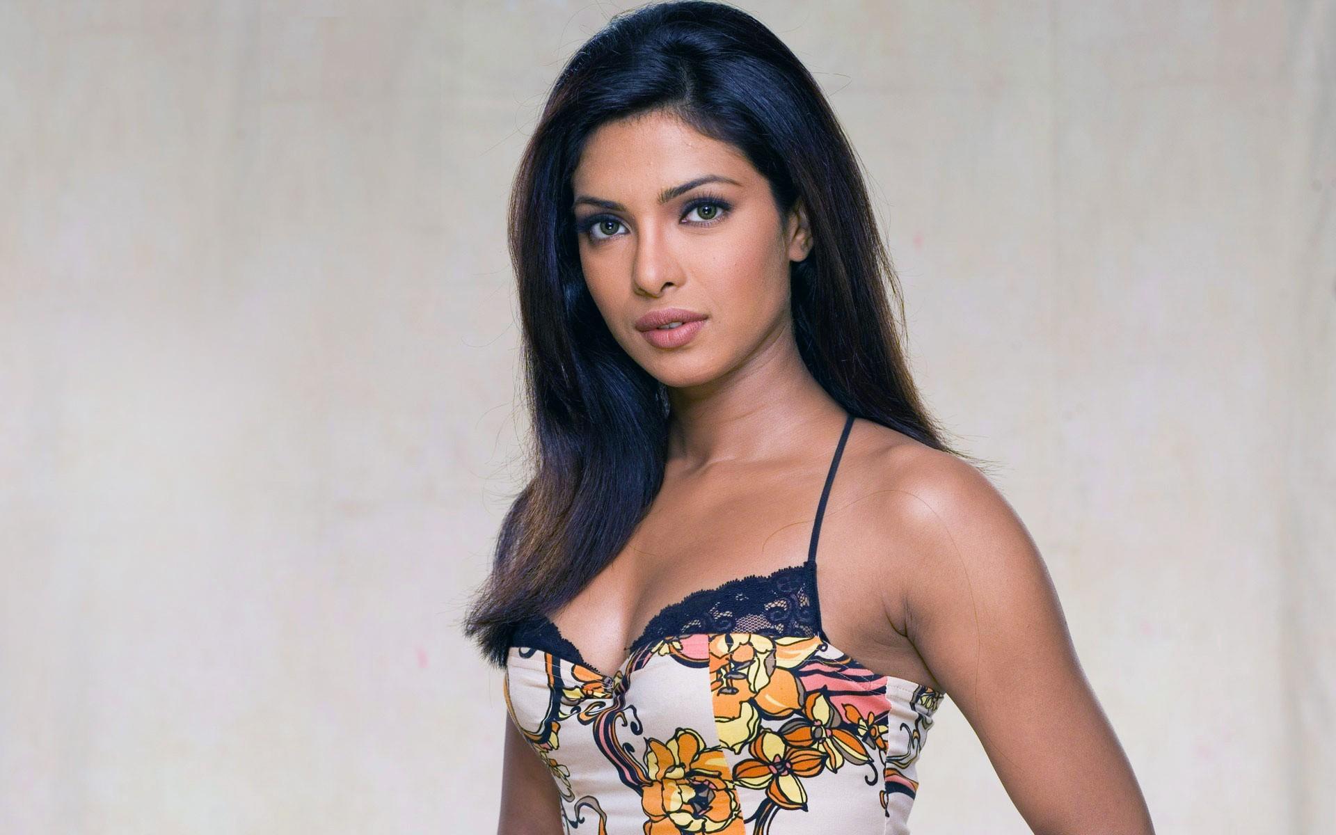2048x1152 Priyanka Chopra 10 2048x1152 Resolution Hd 4k Wallpapers