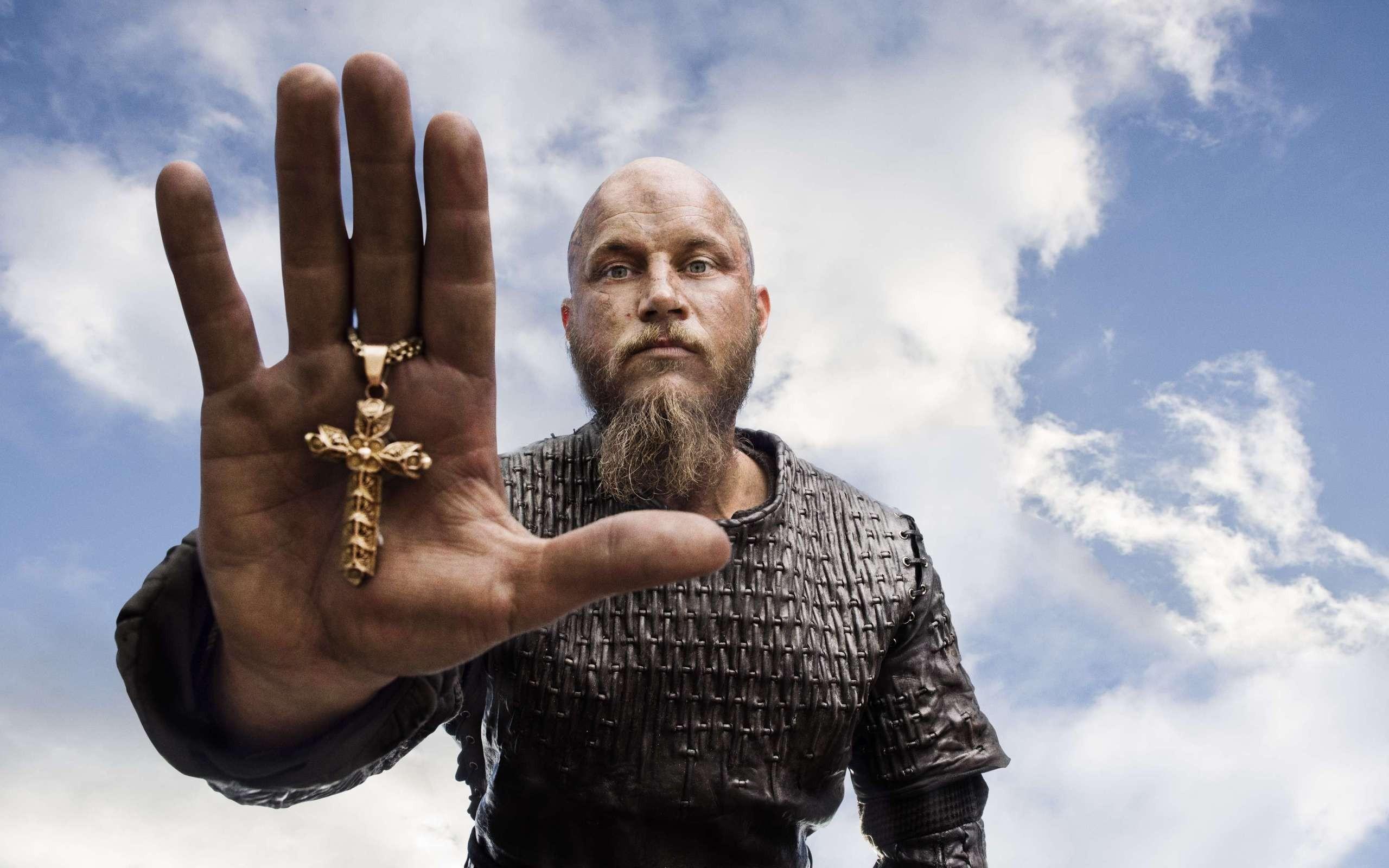 1366x768 Ragnar Lodbrok In Vikings 1366x768 Resolution Hd 4k