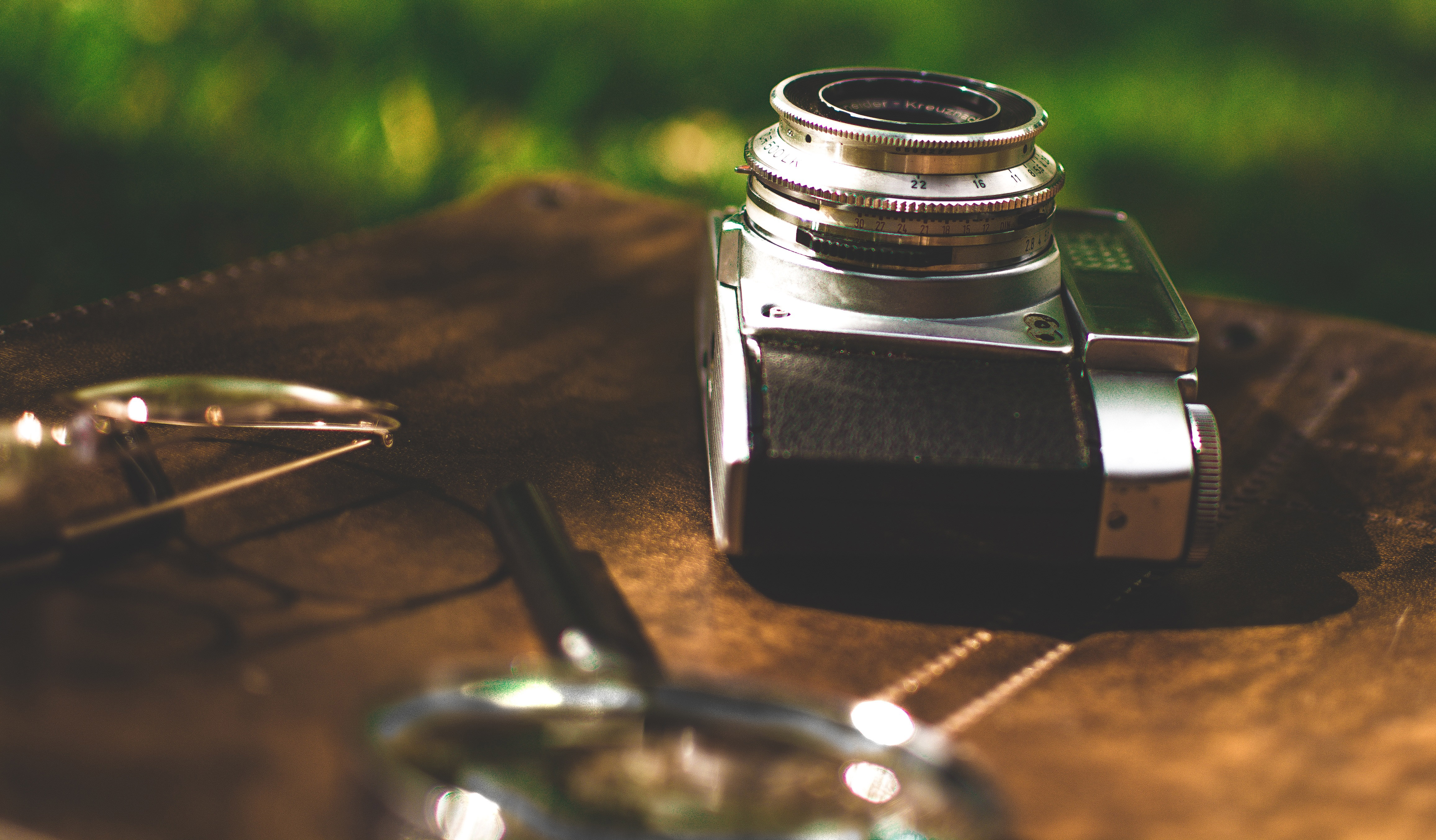 Camera Vintage Android : Retro old camera magnifying glass hd photography k wallpapers
