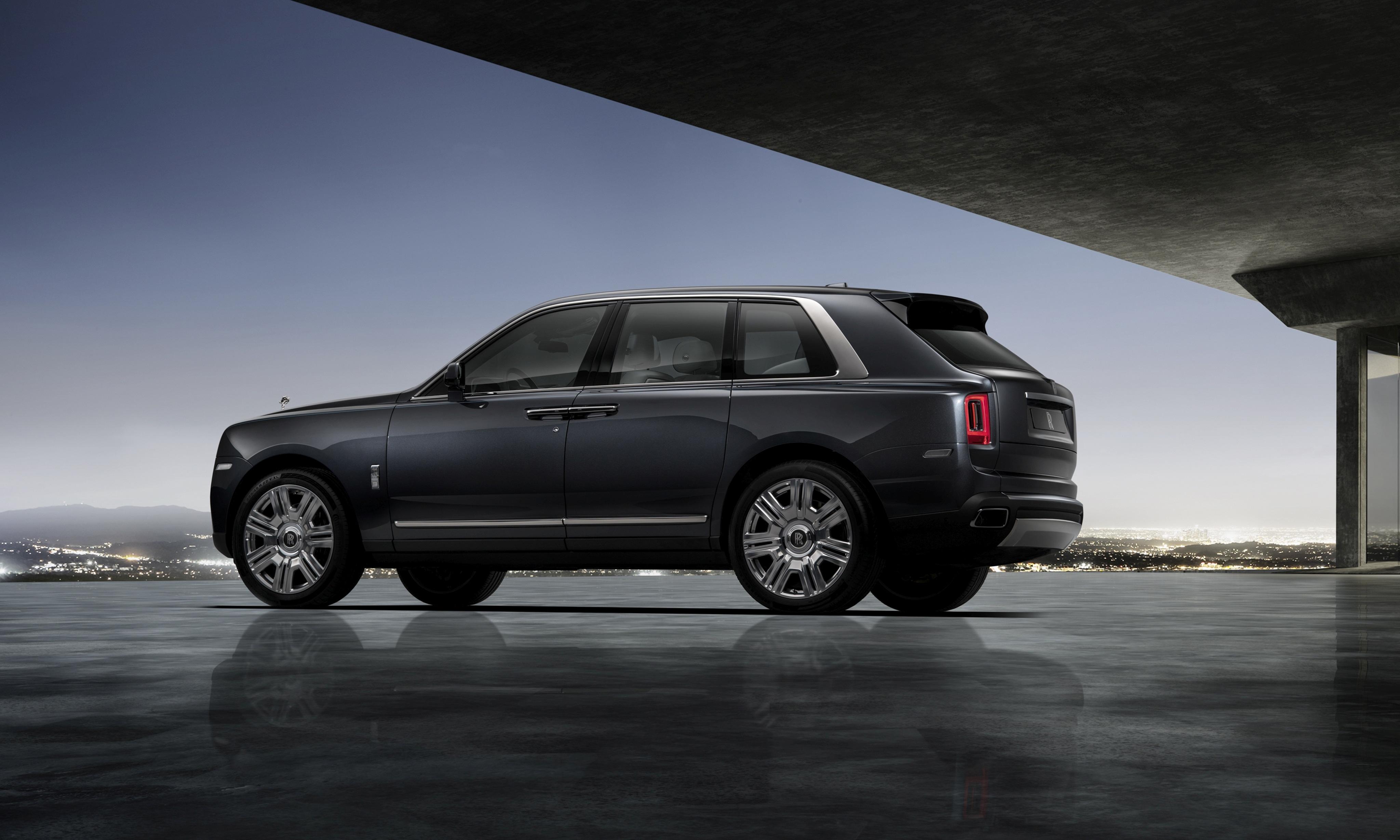 Rolls Royce Cullinan Rear 4k Hd Cars 4k Wallpapers