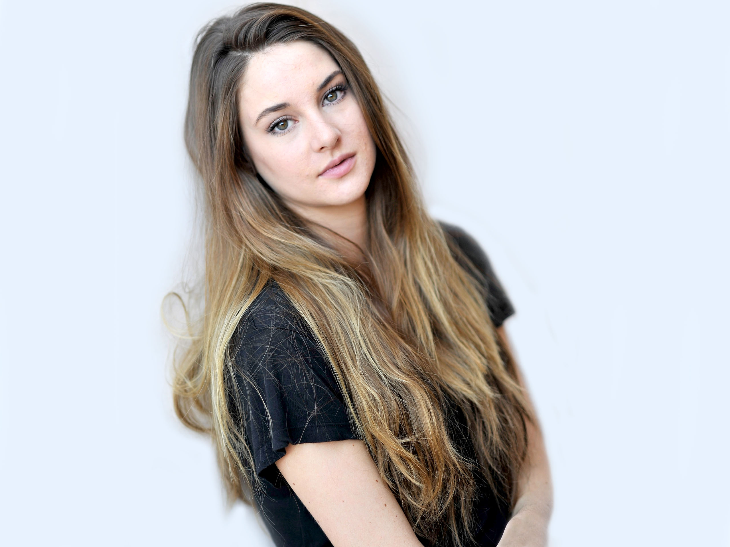 1360x768 shailene woodley actress laptop hd hd 4k wallpapers images shailene woodley actress laptop hd thecheapjerseys Choice Image