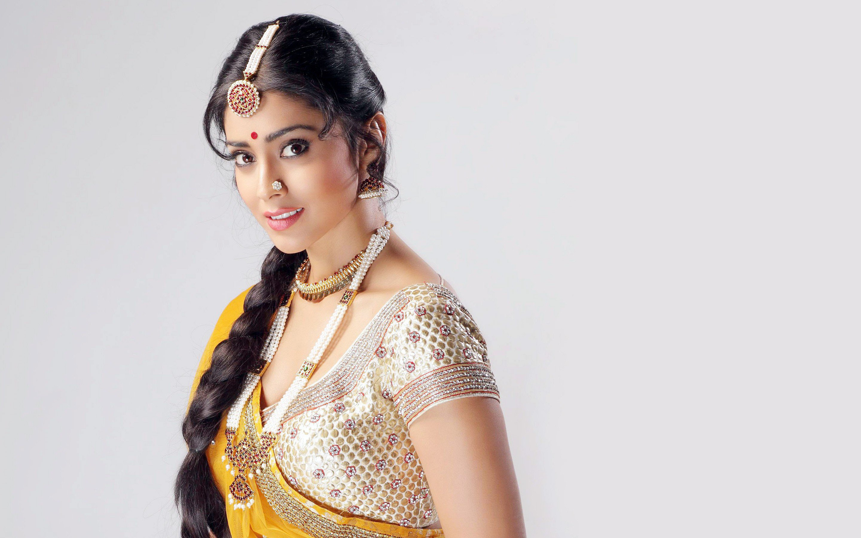 shriya saran wallpapers, images, backgrounds, photos and pictures