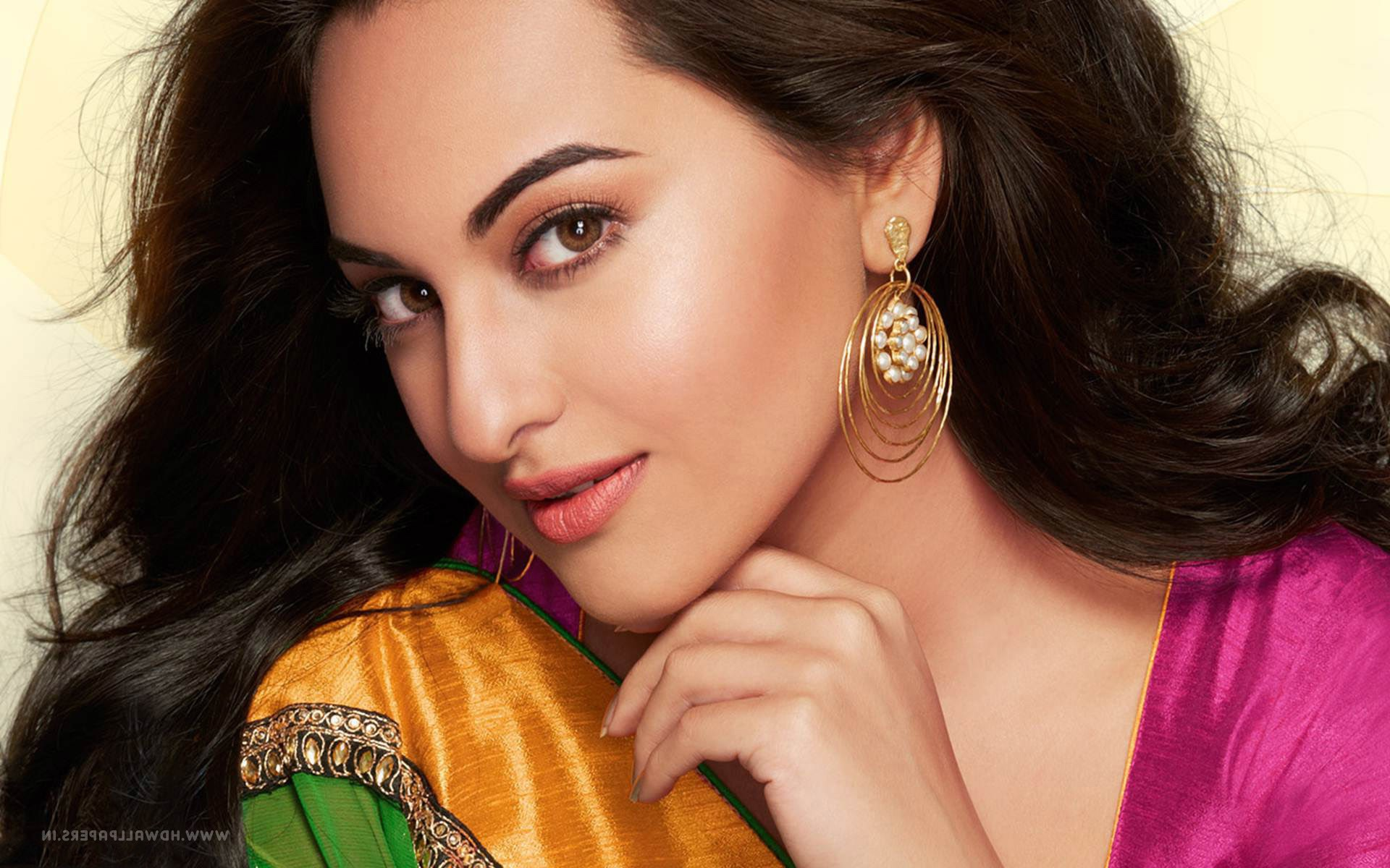 1280x720 sonakshi sinha 7 720p hd 4k wallpapers, images, backgrounds
