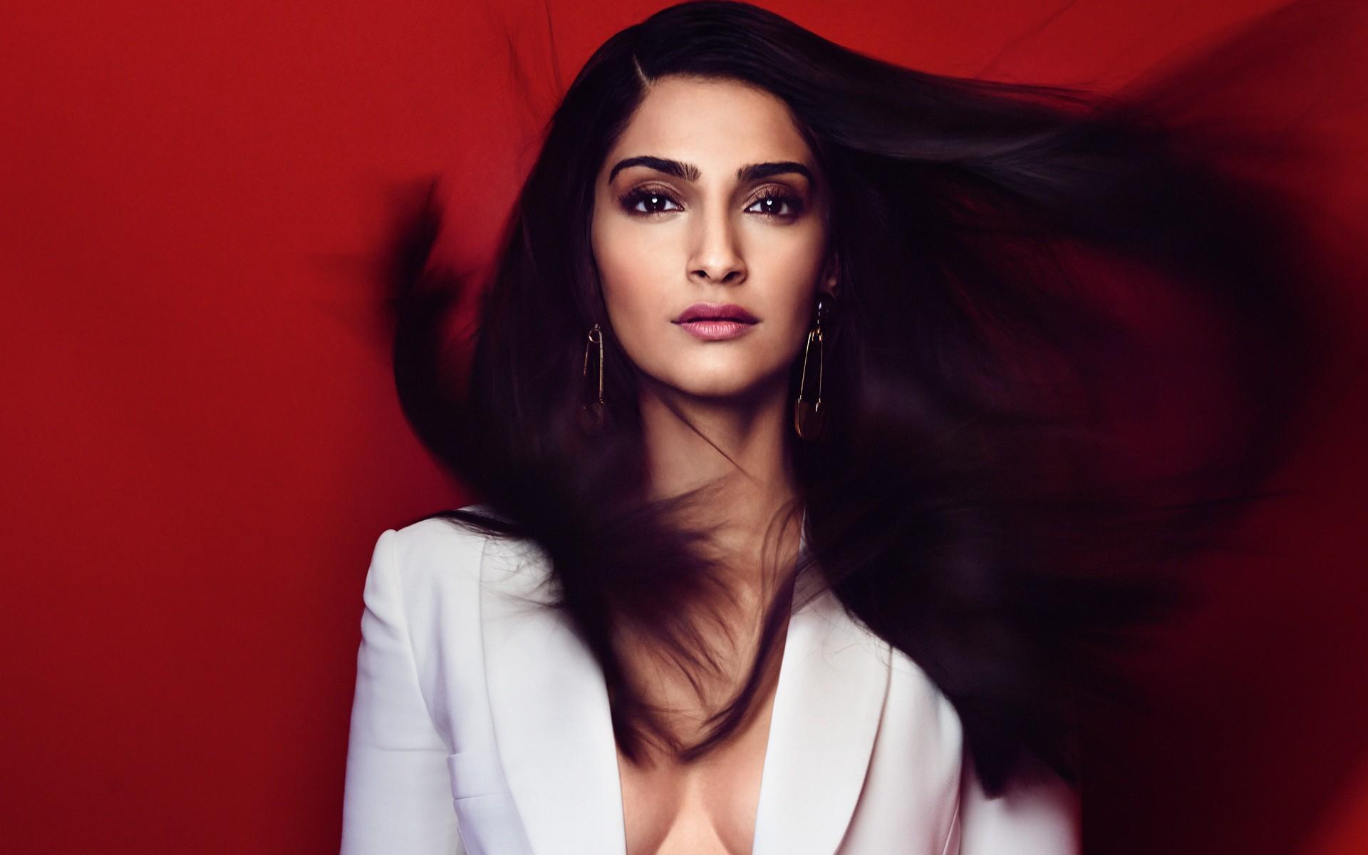 Sonam Kapoor Wallpapers: Sonam Kapoor, HD Indian Celebrities, 4k Wallpapers, Images