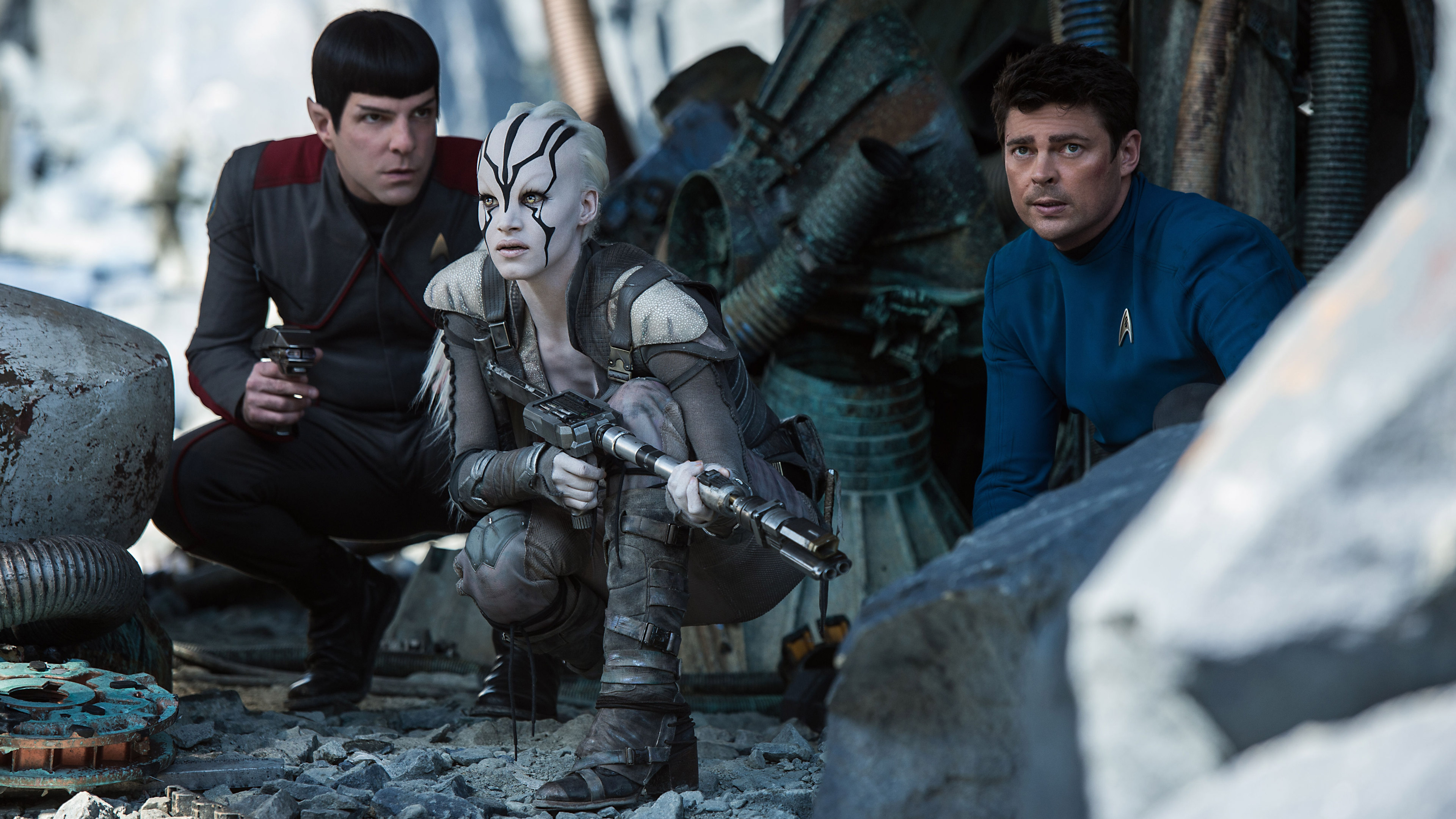 Star Trek Beyond Zachary Quinto And Sofia Boutella