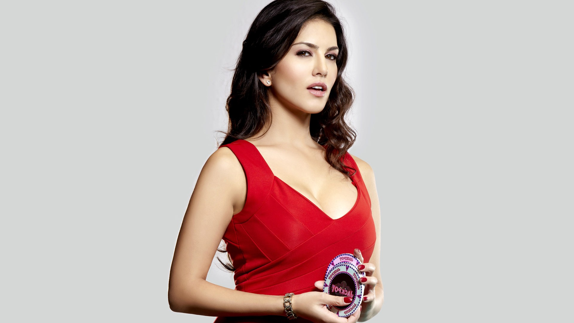 sunny leone old photo, hd indian celebrities, 4k wallpapers, images
