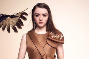 2017 Maisie Williams New