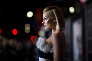2017 Margot Robbie Wallpaper