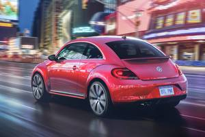 2017 Volkswagen Pink Beetle Model