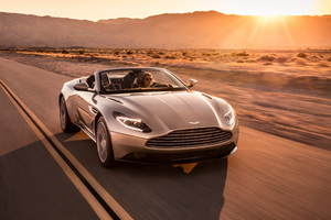 2018 Aston Martin Db11 Volante Front Wallpaper