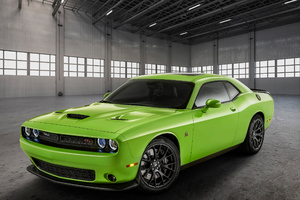 2019 Dodge Charger SRT Hellcat In Green Wallpaper