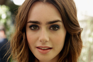 4k Lily Collins Cute Wallpaper