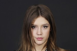 Adele Exarchopoulos Celebrity Wallpaper