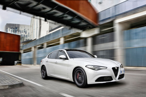 Alfa Romeo Giulia 2-0 Wallpaper
