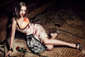 Amanda Seyfried Harpers Bazaar Korea Wallpaper