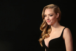Amanda Seyfriend 2017 4k Wallpaper