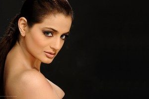 Ameesha Patel 2 Wallpaper