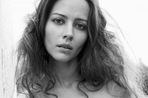 Amy Acker Hairs Wallpaper