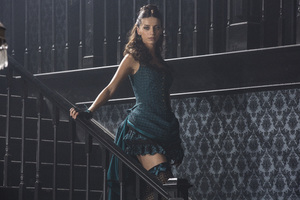 Angela Sarafyan As Clementine Pennyfeather In Westworld Wallpaper