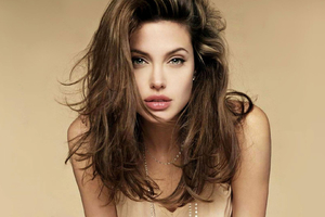 Angelina Jolie 2 Wallpaper