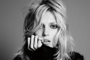 Anja Rubik Monochrome Wallpaper