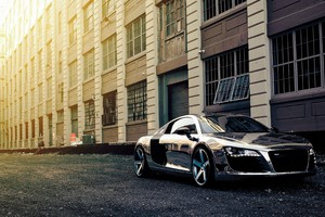 Audi R8 Chrome Wrap