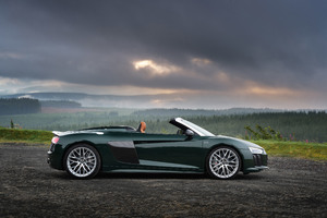 Audi R8 Spyder V10 Plus 4k Side View 2017 Wallpaper
