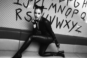 Barbara Palvin Catwoman Monochrome Wallpaper