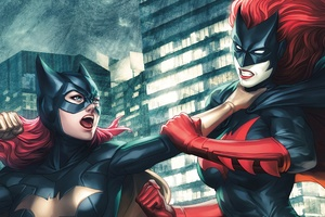 Batgirl Vs Batwoman Fight Wallpaper