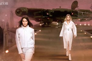Bella And Gigi Hadid In Star Wars Inspired Editorial Harper Bazaar Wallpaper