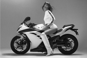 Bella Hadid Kawasaki Ninja Photoshoot Monochrome Wallpaper