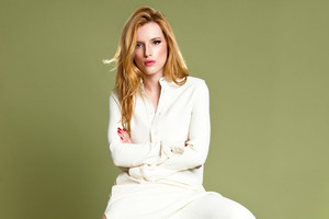 Bella Thorne Marie Claire ID Wallpaper