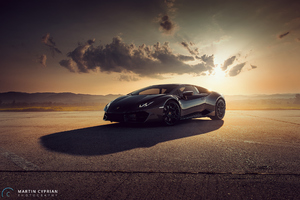 Black Lamborghini Huracan Photoshoot Wallpaper