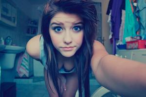 Blue Eyes Cute Teen Girl Wallpaper