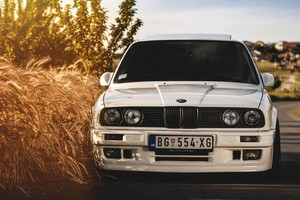 BMW E30 Wallpaper