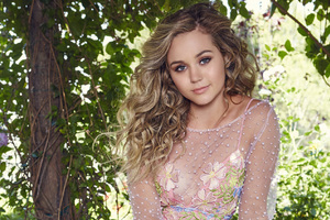 Brec Bassinger YSB Now Photoshoot Wallpaper