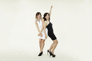 Chloe Bennet And Ming Na Wen