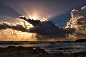 Clouds Sun Rays Passing Ocean 5k Wallpaper