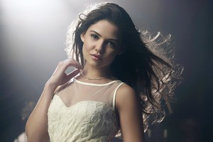 Danielle Campbell 2 Wallpaper