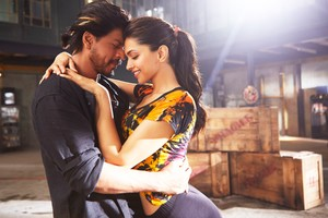 Deepika Shah Rukh Khan In Happy New Year Movie
