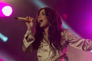 Demi Lovato Live Performing 5k Wallpaper