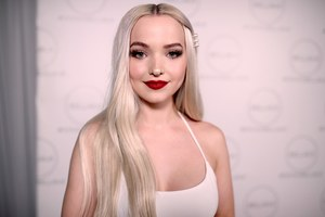 Dove Cameron 2018 Wallpaper